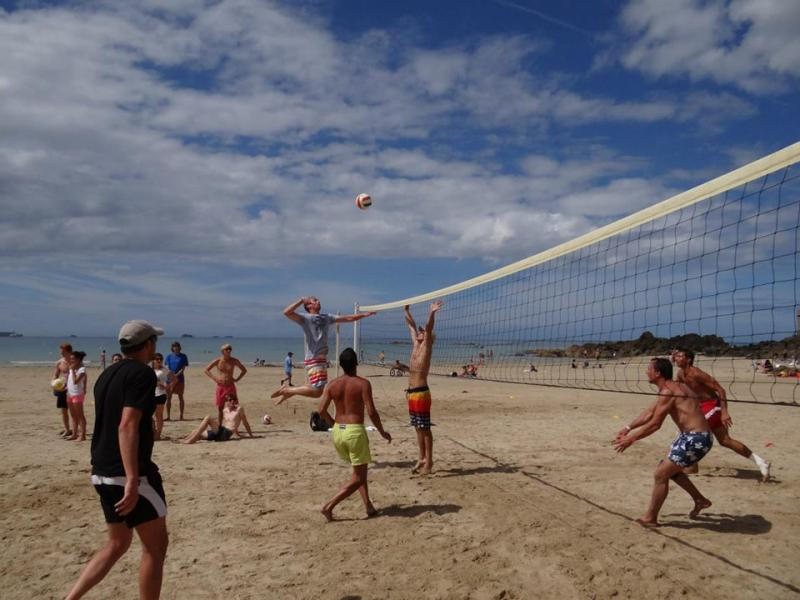 Volley vacances for Appart hotel saint malo